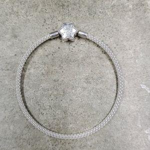 Pandora 7.5 Mesh Snowflake bracelet